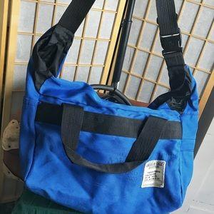 American Eagle 🦅 messenger bag
